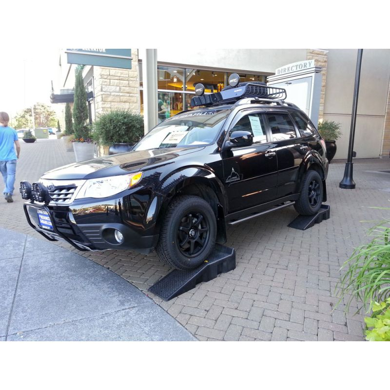 2013 Defender moreover Another Off Road Worthy C er Trailer 486513 moreover Thule Cs 10 Snow Chains For Cars moreover Which Is Best 2015 Subaru Outback Or 2015 Honda Crv further For Sale Black Knight Hummer H2 With Ove. on subaru forester roof rack accessories